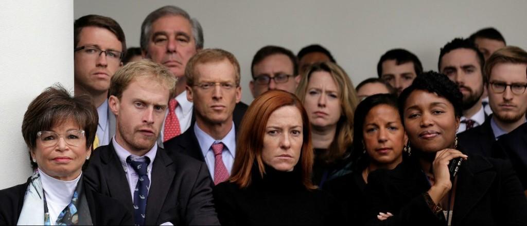 Valerie-Jarrett-and-White-House-staffers-REUTERSJoshua-Roberts-e1483908221279