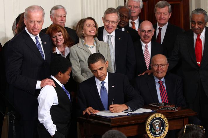 06-obama-obamacare-bill.w710.h473